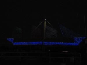 azul marina sobre noche