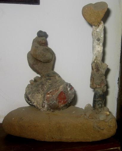 carmen-váscones-y su escultura -totenmito-